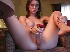 Girl Loves Vibrator !