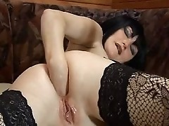 Mature brunette anal fisting