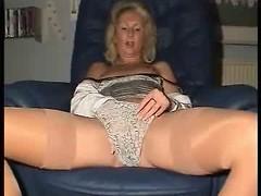 Ultra Hot Mommy !!!!!!!