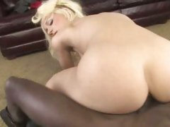 Jada Stevens slutty babe got a hard dick digging