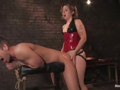 Cock hungry nympho gets her rocks off by swallowing her dildo