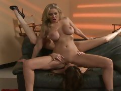 Julia Ann and Samantha Ryan face sit and do cunt lick