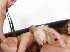 Lexi Belle get her cunt lick and friend got doggy fuck