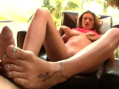 Carmen Mccarthy do a cock massage by her feet