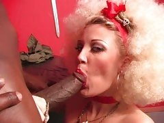 Scorching Candy Monroe drools on this manaconda