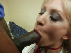 Slut Lea Lexus gobbles down this tasty fuck stick