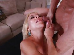 Vivacious Erica Lauren gets sprayed with hot jizz