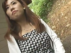 Amateur Pretty Asian babe fucked outdoor