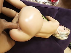 Bootyful chick Bibi Jones