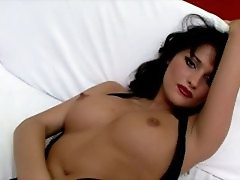 Tempting brunette russian slut Luysan