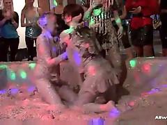 2 gal Mud fight