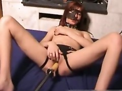 Kinky mom pussy drilled by a fuckingmachine