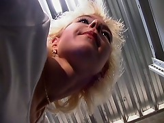 Hot blonde mom fucks the delivery guy