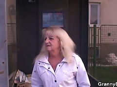 Young dude picks up blonde granny and bangs her