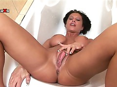 Nasty massive tits brunette milf steamy solo big pussy show