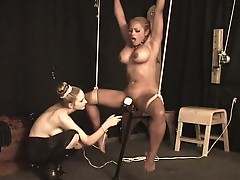 A sexy body tied up in ropes and chained !