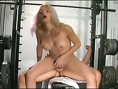 Trans girl with hot body fucks his partner at the gym