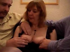 Mature British slut does a DP