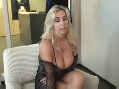Horny wife gives great head before sex