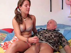 Old guy in ponytail gets handjob from cutie