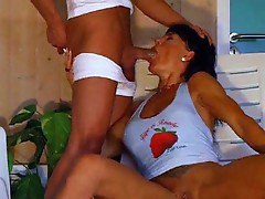 Deepthroating gets really messy with her