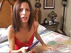 Amateur wife uses her tight anal hole to get fucked and filled with cum