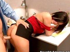 Hot ass girl Nikki Grind gets pussy fucked missionary style till she screams