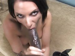 Amazing Juelz Ventura slurps on this chocolate prick