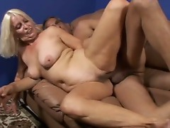Large boobie granny Vikki Vaughn likes coarse big cock sex