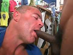 White guy gets amazing blowjob from white guy