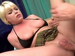 Messy short haired Missy Monroe spreads her Pink pussy and gets boned deep
