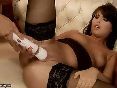 Nelly sulIvan deeply fucked by an electric marital-device