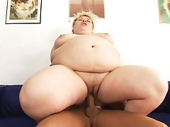 Large overweight Cream pie #10