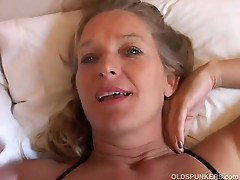 Hot mature slut loves pussy pumping in for this big cock
