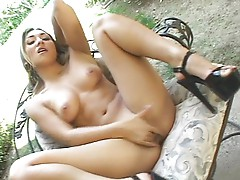 Roxy Jezel reaches her climax for the camera