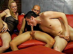 Horny bi threesome fantasy