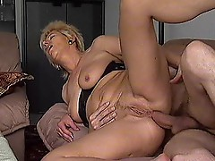 Horny wifes in groups
