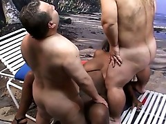 Hot midget threesome having a hot and steamy interacial action