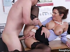 Boss veronica avluv gets nailed by mail boy dane cross