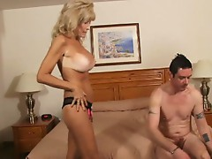 Hot milf slut cam ray that loves pumping big hard cock