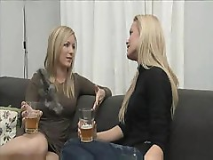 Two blonde babes love eating the pussy and munch on the bed