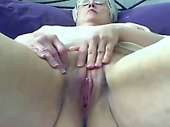 Old bitch masturbates on web cam