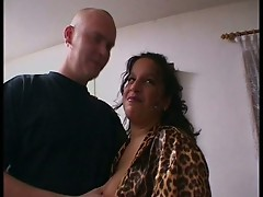 Leopard babe sucks big dicks