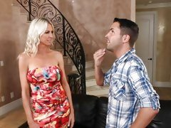Hot cougar Emma Starr seduces a dude for his dick