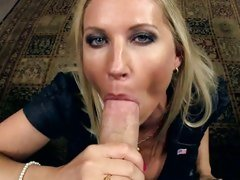 Rampant Devon Lee drools on this tasty lolly cock