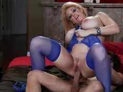 Temptress Charlee Chase rides this prick up her slit