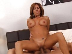 Insatiable Tara Holiday bounces her slot on a hard dick