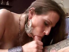 Sizzling Rachel Roxx slurps on this throbbing cock