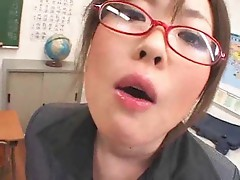Sexy Japanese schoolgirl gets facials