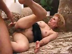 Young man gives mature cunt creampie
